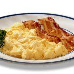 scarmbled-eggs-with-bacon